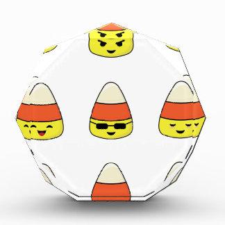 Lustiger Süßigkeits-Mais Emoji Acryl Auszeichnung