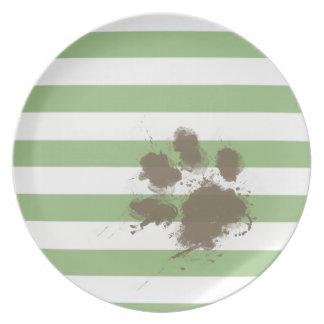 Lustiger Tatzendruck auf Lorbeer-Grün-horizontalen Party Teller