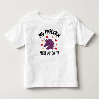 Lustiger Unicorn ließ mich es tun Kleinkind-T - Kleinkind T-shirt
