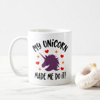 Lustiger Unicorn ließ mich es tun Tasse