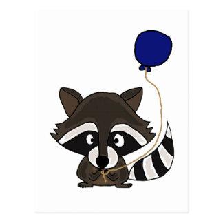 Lustiger Waschbär, der Ballon hält Postkarte