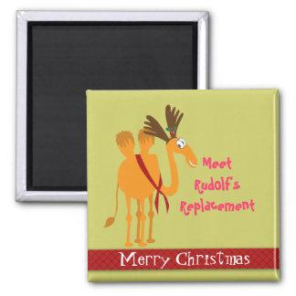 Lustiger Weihnachtsmagnet - Kamel im Ren-Anzug Kühlschrankmagnete