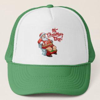 Lustiger Weihnachtsmann, der ein raues Weihnachten Truckerkappe
