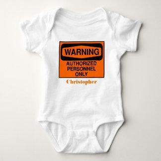 Lustiges berechtigtes Personal unterzeichnet nur Baby Strampler
