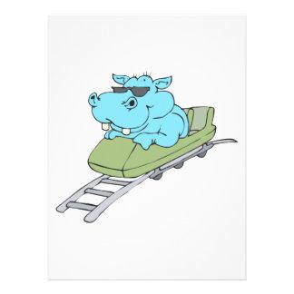 lustiges blaues Flusspferd, das einen Rollen-Unter Personalisierte Ankündigungskarten