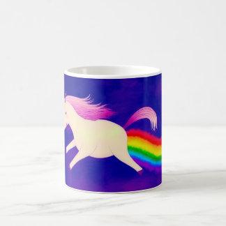 Lustiges Farting Fliegen-Einhorn ein Regenbogen Tasse