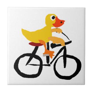 Lustiges gelbes Enten-Reitfahrrad Fliese