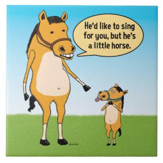 Lustiges großes Pferd und kleines Pferd Fliese