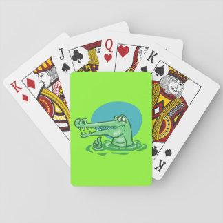 lustiges Krokodil gezeigter okayzeichen-Cartoon Spielkarten