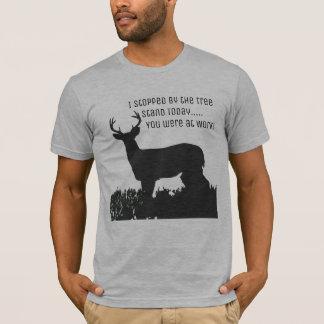 Lustiges Rotwild-Jagd-Baum-Stand-Shirt T-Shirt