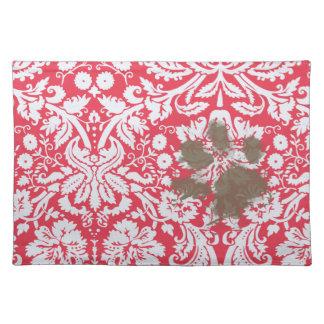 Lustiges schlammiges Pawprint auf rotem Damast-Mus Tisch Sets