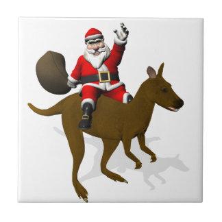 Lustiges Weihnachtsmann-Reiten auf Känguru Fliese