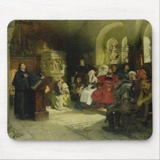 Luther predigt unter Verwendung seiner Bibel-Übers Mauspad