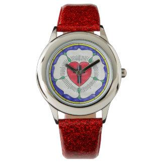 Luther Siegel-beflecktes Glas-Mädchen GlitterBand Uhr