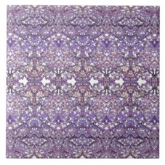 Luxuriöses, elegantes geschnürtes Muster in der Keramikfliese
