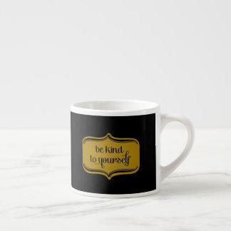 Luxuriöses Goldschwarzes ist- zu selbst nett Espressotasse