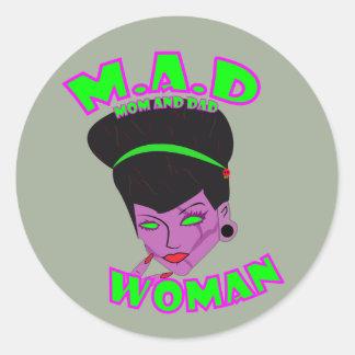 M.A.D. Frau (SINGLE-MAMMA) Runder Aufkleber