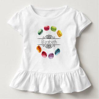 Macarons in einem französischen Gebäck des Kreis-| Kleinkind T-shirt