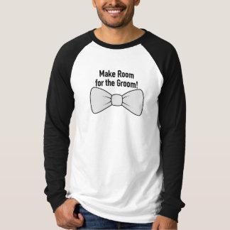 Machen Sie Raum für das Bräutigam-lange Tshirt