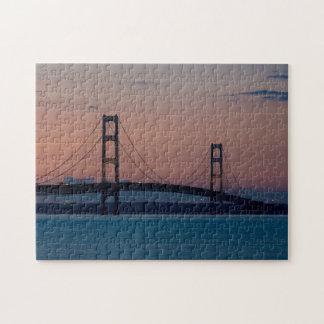 Mackinac Brücke an der Dämmerung Puzzle