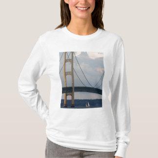 Mackinac Brücke, Michigan, USA T-Shirt