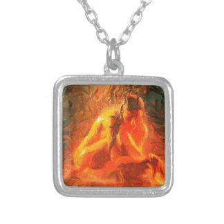 Mädchen auf Feuer - leidenschaftliche Feuer-Kunst Versilberte Kette