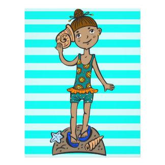 Mädchen auf Strand mit Seashell Flyer