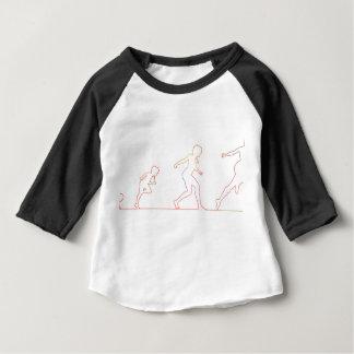 Mädchen-Bühnen von Frau in Erwachsenen aufwachsen Baby T-shirt