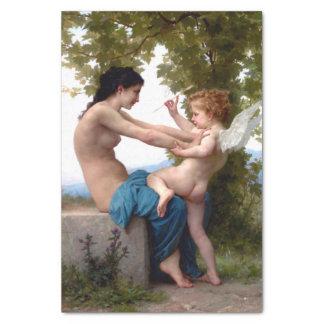 Mädchen, das gegen Eros-Amor-schöne Kunst sich Seidenpapier