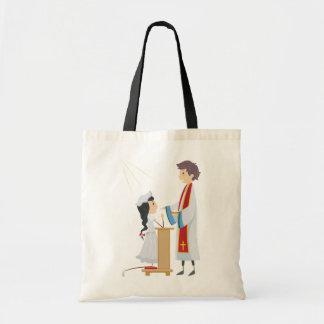 Mädchen, das Kommunions-Taschen-Tasche empfängt Budget Stoffbeutel