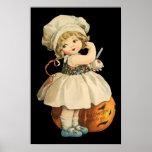 Mädchen, das Plakat Apples Halloween schnitzt