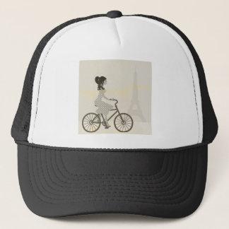 Mädchen-Fahrrad in Paris, radfahrenEiffelturm der Truckerkappe