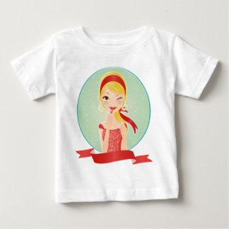 Mädchen im Rot Baby T-shirt