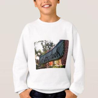 Mädchen mit einer Haken-Fahne Sweatshirt