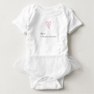 Mädchen n: Haltung mit Bogen Baby Strampler
