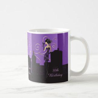 Mädchen-Nacht heraus | lila Kaffeetasse