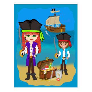 Mädchen-und Jungen-Piraten mit Schiff auf Postkarte
