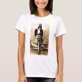 Madge Lessing auf Fahrrad Vintages 1902 T-Shirt