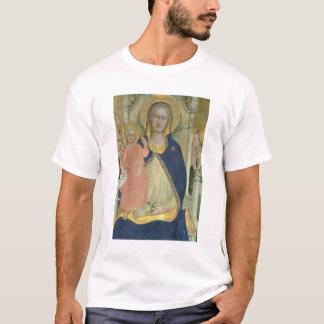Madonna und Kind, die mit Heiligen inthronisiert T-Shirt