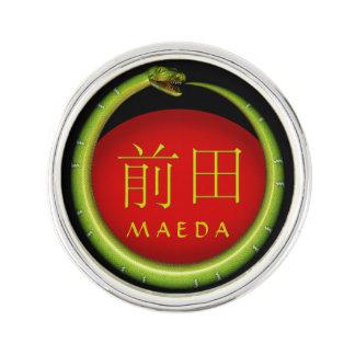Maeda Monogramm-Schlange Anstecknadel