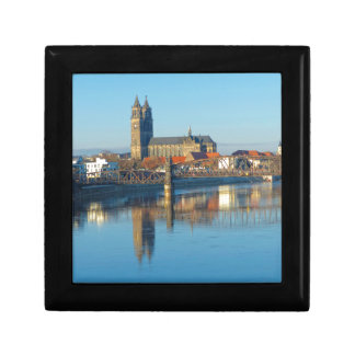 Magdeburg-Kathedrale mit Fluss Elbe 01 Geschenkbox