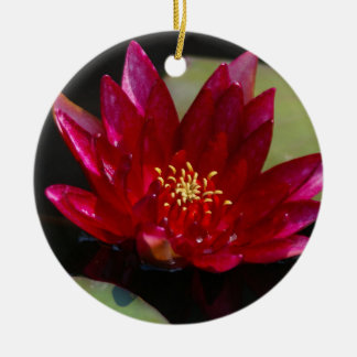 Magentarote Lotos-Wasserlilie Keramik Ornament