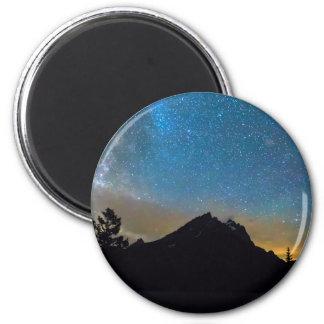 Magische bunte großartige Teton Nacht Runder Magnet 5,7 Cm