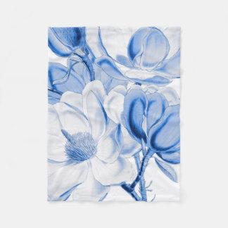 Magnolien-Blau Fleecedecke