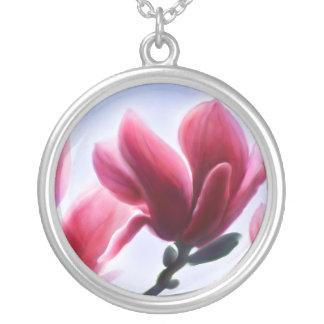 Magnolien-Blüten Versilberte Kette