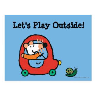 Maisy fährt ein niedliches rotes Auto Postkarte
