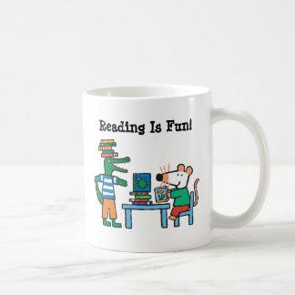 Maisy und Freunde genießen die Bibliothek Kaffeetasse