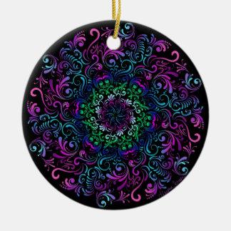 Majestätische Kaleidoskop-Mandala auf Schwarzem Rundes Keramik Ornament