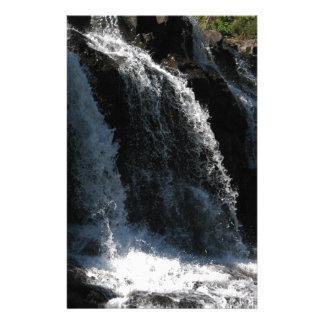 Majestätischer Wasserfall - Stachelbeerfälle Individuelles Büropapier