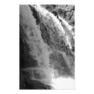 Majestätischer Wasserfall - Stachelbeerfälle Druckpapier